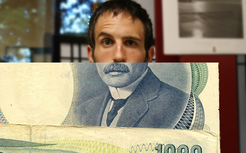 Mann mit Geldschein