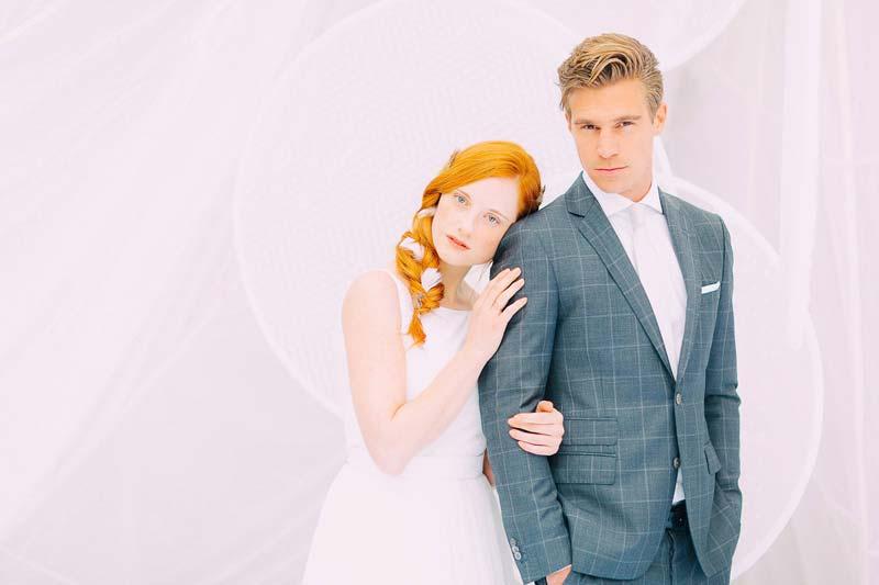 Braut mit Bräutigam im Zweiteiler von The Bloke