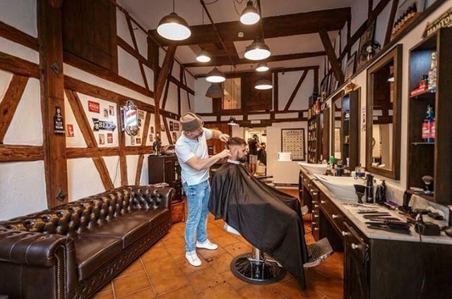 braeutigam-guide-stuttgart-hairstyling-rockabillys-and-gents-1