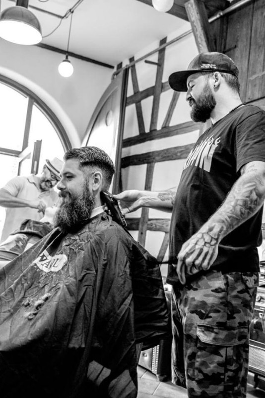 braeutigam-guide-stuttgart-hairstyling-rockabillys-and-gents-6