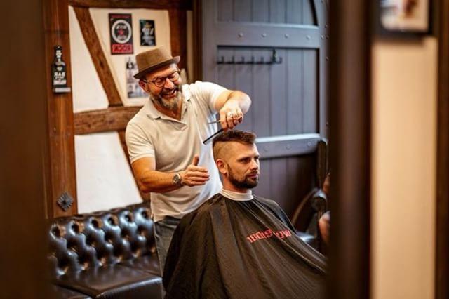 braeutigam-guide-stuttgart-hairstyling-rockabillys-and-gents