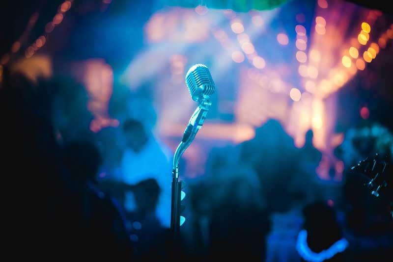 Mikrophone bei der Hochzeitsrede