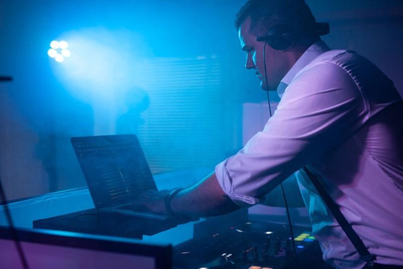 Braeutigam-Guide-Hoechstadt-Musik-Unterhaltung-DJ-Roland-Firnkes_3