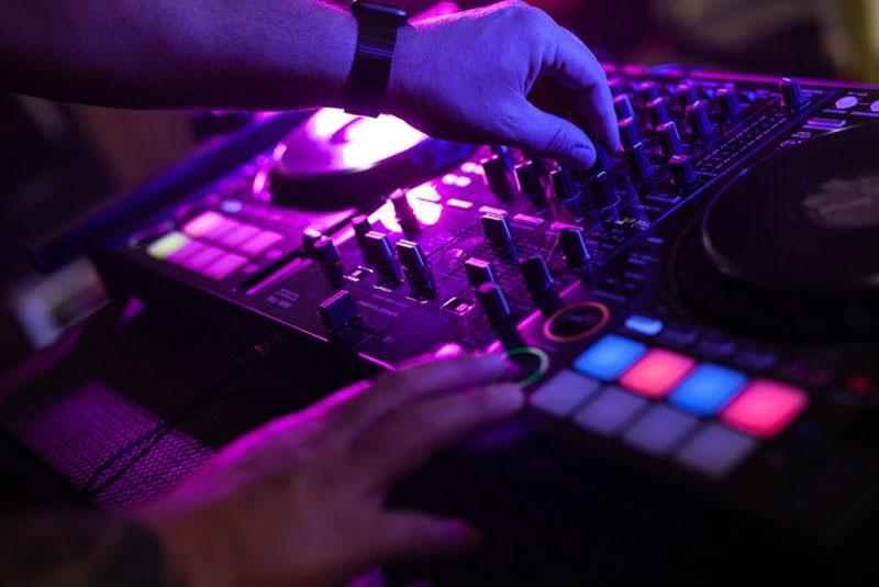 Braeutigam-Guide-Hoechstadt-Musik-Unterhaltung-DJ-Roland-Firnkes_4